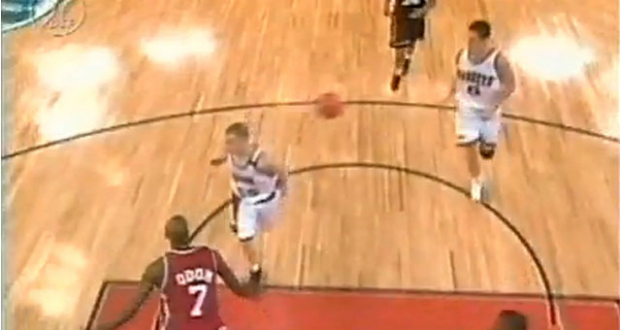 Jason Williams et sa passe du coude