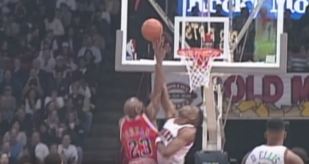 Dikembe Mutombo et ses contres