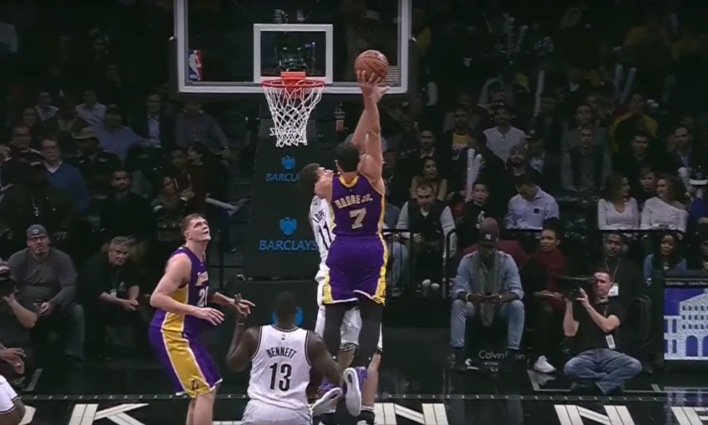 Larry Nance dunks