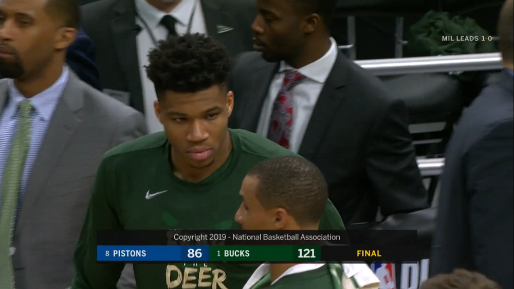 Giannis Antetokounmpo Milwaukee Bucks pari